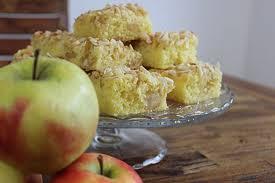 apfelkuchen mit marzipan und mandelsplittern sallys