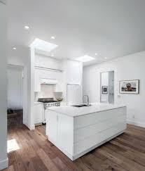 decorer cuisine toute blanche awesome cuisine toute blanche photos ansomone us ansomone us