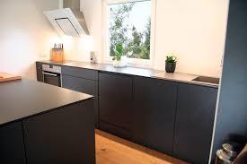 küche ohne hängeschränke grifflos lico design