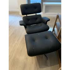 Eames Lounge Chair & Ottoman Replica - AptDeco Eames Lounge Chair Ottoman Replica Aptdeco Black Leather 4 Star And 300 Herman Miller Is It Any Good Fniture Modern And Comfort Style Pu Walnut Wood 670 Vitra Replica Diiiz Details About Palisander Reproduction Set
