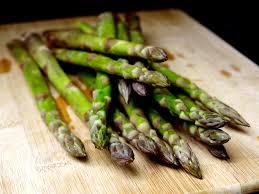 cuisine asperge comment cuire les asperges vertes cookismo recettes saines