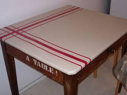 relooker une table de cuisine table de cuisine finie photo de relooking de meubles ou objets