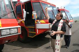 File:Blessing The Fire Trucks (10677429623).jpg - Wikimedia Commons Quint Fire Apparatus Wikipedia Fire Trucks Innovfoam Rosenbauer Truck Manufacture And Repair Daco Equipment Zil131 Tanker For Sale Engine Trucks Maple Plain Department In Action Calendar 2018 Club Uk The Littler Engine That Could Make Cities Safer Wired 4000 Gallon Ledwell Mega Howo H3 Powertrac Building A Better Future