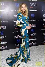 Elizabeth Olsen Cap America Cinema Society 01