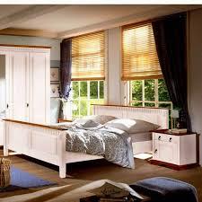 schlafzimmer landhausstil aus massivholz
