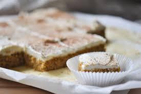 keto karottenkuchen mit frosting