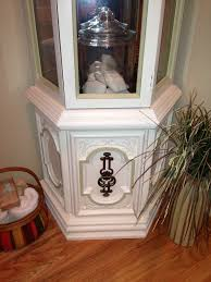 Pulaski Corner Curio Cabinet 20206 by Curio Cabinet Makeover Hmmmm I May Have To Do This I Have This