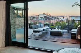 100 Seattle Penthouses Striking Remodel Of A Penthouse Apartment Overlooking The