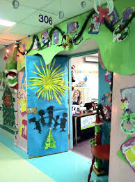 Office Christmas Decoration Ideas Funny by Office Christmas Decoration Ideas Funny Cubicle Themes Door