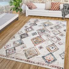 wohnzimmer teppich vintage rauten boho design