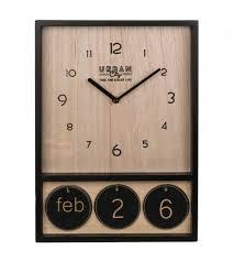 holzuhr mit kalender 28x39x4 5 cm schwarz wohnzimmer