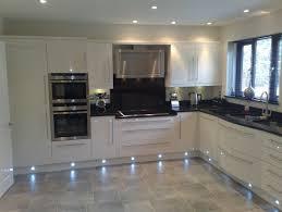spot eclairage cuisine eclairage cuisine spot s éclairer efficacement avec les led et