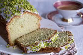 avocado kuchen mit limettenguss und pistazien rezept
