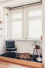 wohnzimmer mit gemütlicher leseecke im erker wohnzimmer