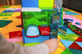Magna Tiles Amazon Uk by 2 Littlefaces Magna Tiles Review
