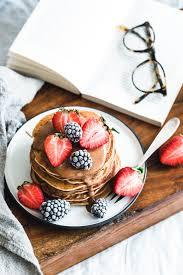 vegane buchweizen pancakes mit mandelmus eat this