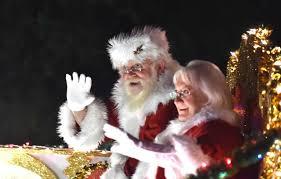Parade Float Decorations In San Antonio by San Antonio Christmas Tree Lighting And Holiday Parade 2017 San