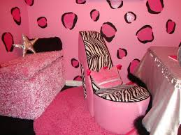 pink bedroom accent wall beautiful flower vase on top tudy table