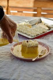 tres leches milchkuchen mit safran und rosenwasser کیک سه شیر زعفرانی