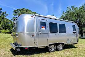 104 Airstream Flying Cloud For Sale Used 2018 23fb Travel Trailers Rv By Owner In Weeki Wachee Florida Rvt Com 425263