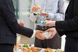 dejeuner bureau petit déjeuner d affaires dans le bureau photo stock image du