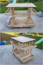 Build A Picnic Table Out Of Pallets by Best 25 Wood Pallet Tables Ideas On Pinterest Pallet Furniture