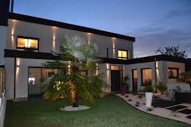 maison en cube moderne moderne toit zinc