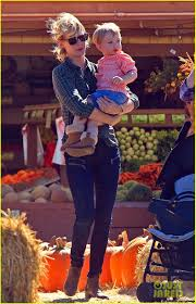 Kent Farms Pumpkin Patch by January Jones Hits The Pumpkin Patch With Xander Photo 2975540