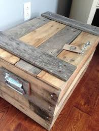 Small Storage Trunk Chest Made Of Repurposed Pallets See Lots More Creative Pallet Ideas Home Decor Inspiration And DIY Tutorials At Room Design