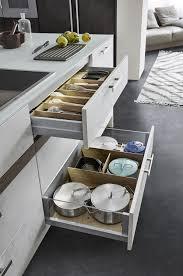 cuisine leicht avis cuisine contemporaine en béton en verre en noyer topos
