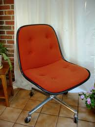 Knoll Pollock Chair Vintage by This Vintage Office Chair In Rosewood And Black Leather Is No