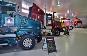 File:Kenworth Dealer Hall Of Fame, 2015 (13).JPG - Wikimedia Commons