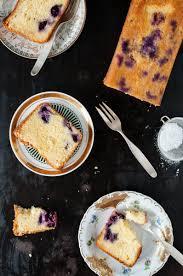 fluffiger dinkelrührkuchen mit blaubeeren olivenöl und