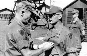 Most Decorated Us Soldier Vietnam by Airborne Ranger Tells His Korean And Vietnam War Tale War Tales