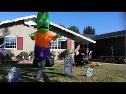Halloween Blow Up Yard Decorations Canada by Dr Frankenstein U0027s Inflatable Monster And Giant Spider Youtube