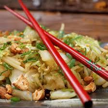 cuisiner le chou chinois cuit recette chou chinois au wok