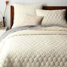 Mid Century Circlet Ogee Quilt Shams West Elm Master Bedroom Ideas Bedding