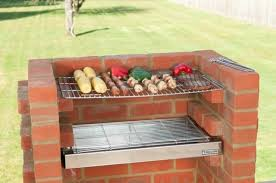 comment bien faire un barbecue comment construire un barbecue en brique guide et photos