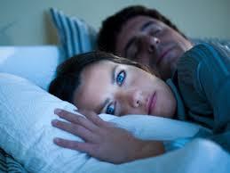 partner schnarcht beziehungskiller nummer 1 gesunder schlaf