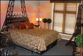 Bedroom Space Decor Eiffel Tower