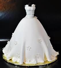 Wedding Cakes A Remarkable Wedding Dress Cake Weddbook