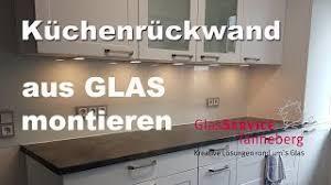 küchenrückwand aus glas montieren