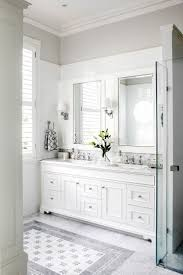 Double Vanity Bathroom Ideas by Best 25 White Master Bathroom Ideas On Pinterest Master