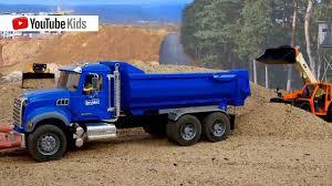 Bruder Toys   MACK Granite Halfpipe Dump Truck   Cartoon Cars ...