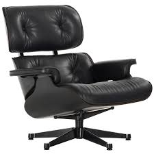 Eames Lounge Chair, Classic Size, Black Ash - Black Leather Charles Eames Chair Stock Photos Herman Miller Alinum Group Side Outdoor Management Classic Lounge Ottoman In Whipigmented Walnut White Leather Ea 108 Alinium Armchair Black Polished Base Vitra 222 Soft Pad Wwwmahademoncoukspareshtml Tall Ash Chairs 117 118 119 Design Et Ray