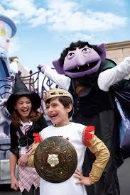Halloween Busch Gardens by Behind The Thrills Join The Sesame Street Gang For Halloween Fun