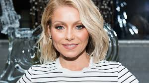 Spirit Halloween Mobile Al by Kelly Ripa Gets Into The Halloween Spirit By Dusting Off A Past