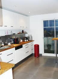 cuisine blanche plan travail bois meuble plan de travail cuisine sol cuisine gris cuisine meubles