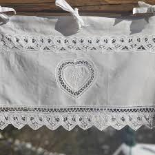 rideau brise bise blanc lacé 1 coeur et fleurs de montagne coton