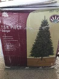 7 1 2 Prelit Christmas Tree